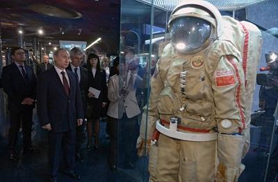 Путин поздравил экипаж МКС с Днем космонавтики