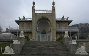 На восстановление памятников  Крыма выделят два миллиарда рублей.